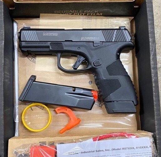 small.Mossberg-MC2C-9mm-Pistol-Night-Sig